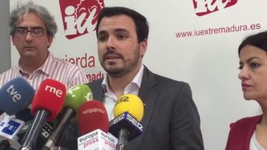 """Photo of Alberto Garzón alerta de que el voto el 28A debe luchar """"contra dos riesgos: los partidos reaccionarios y aquellos que promueven políticas neoliberales de recorte y liberalización de los servicios públicos"""""""