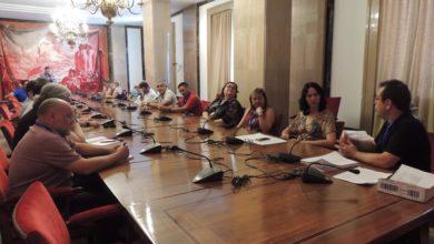 Photo of Eva García Sempere prepara en el Congreso con cargos públicos municipales de IU Castilla-La Mancha futuras iniciativas para responder a los problemas de este territorio