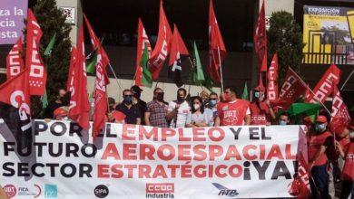 """Photo of Enrique Santiago advierte en la manifestación de Airbus Getafe que """"será mucho más difícil salir de la crisis si se prescinde del saber hacer de los profesionales del sector aeroespacial"""""""