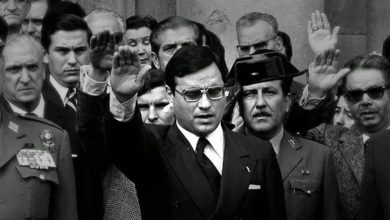 """Photo of IU señala tras las """"vergonzosas cartas"""" de apoyo a Martín Villa que """"hay quienes sí mantenemos que o se está con la impunidad del franquismo o a favor de la democracia"""""""